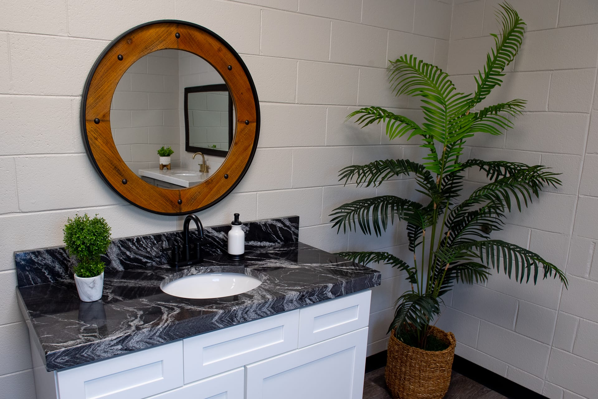 Bathroom Vanities by Magnolia Countertops, Countertop Fabrication, Countertop Replacement and Repair in Cookeville and Crossville TN.